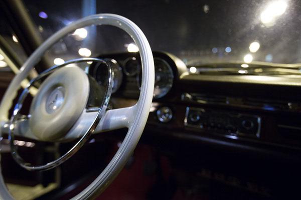 Intérieur de la Mercedes 280 SE