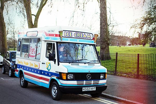 Vendeur de glaces à Londres