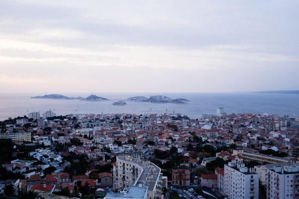 Vue sur l'archipel des îles Frioul depuis Bonne Mère
