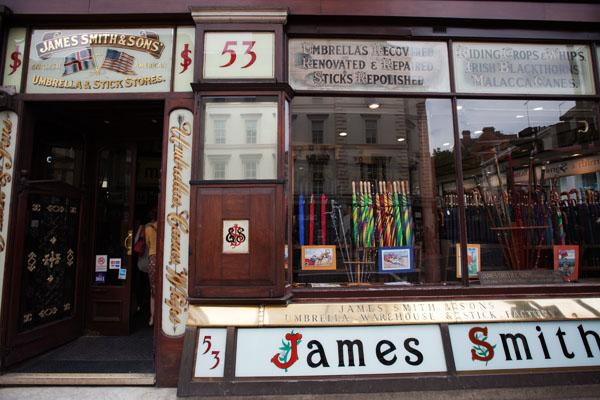 James Smith parapluies Londres