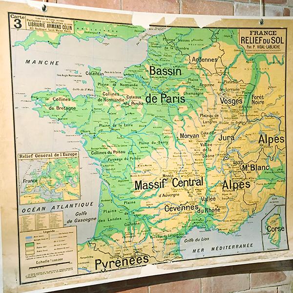 Musée des commerces d'autrefois à Rochefort - Ecole