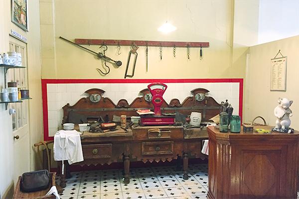 Musée des commerces d'autrefois à Rochefort - Boucherie