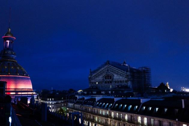 Vue panoramique de nuit sur Paris