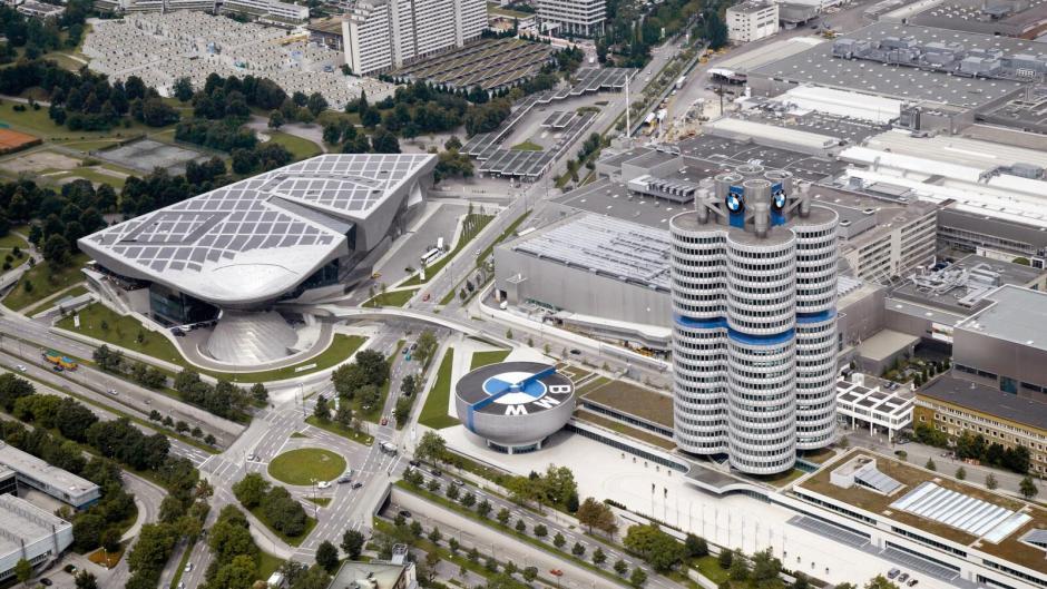 BMW továrna z letadla