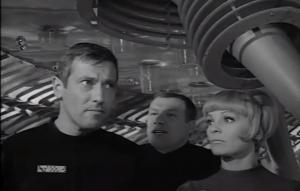 """Dietmar Schönherr, Wolfgang Völz und Eva Pflug in der Auftaktfolge von """"Raumpatrouille"""". (Screenshot von http://www.youtube.com/watch?v=FGcIy76N9sY)"""