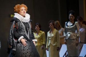 Susanne Braunsteffer als Elisabeth von Valois (Foto: Thomas M. Jauk, Stage Picture)