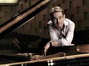 Der Pianist Markus Becker. Foto: KFR/Roland Schmidt