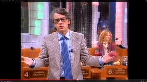 """Einladende Geste: MOment aus der allerersten Ausgabe von """"Wetten, dass...?"""" mit Frank Elstner vom 14. Februar 1981. (Screenshot aus: https://www.youtube.com/watch?v=jfCBKJI8R4M)"""