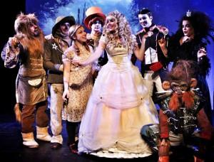 """Das Musical """"Oz"""" der """"Freien Wildbahn"""" als Beispiel für gelungene kulturelle Nachwuchsarbeit. (Foto: Freie Wildbahn)"""
