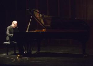 Marc-André Hamelin bei seinem Mülheimer Konzert. Foto: Peter Wieler/KFR