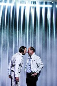 """""""Das Fleischwerk"""": Szene mit Andrei (Matthias Kelle, li.) und Akif (Roland Bayer). (Foto: Arno Declair)"""