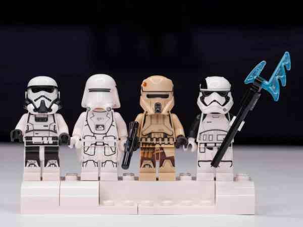 Bonecos Lego Star Wars.