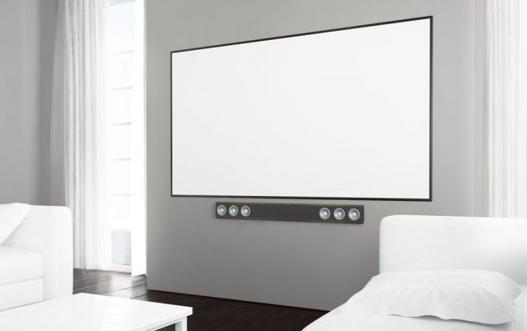 Soundbar da incasso sotto una TV