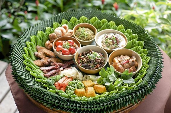 Taste of TEN – ข้าวซอยทศกัณฑ์ ที่ข้าวแฝ่