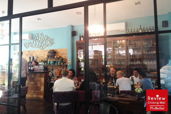 ปาร์ตี้เย็นใจ  บุฟเฟ่ต์ไฮโซสายอาร์ตที่ Magnolia Café เชียงใหม่