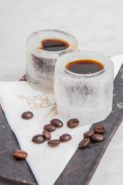 สัมผัสความหอมเข้มเต็มรสชาติกาแฟที่ดาราเทวีเค้กช๊อป