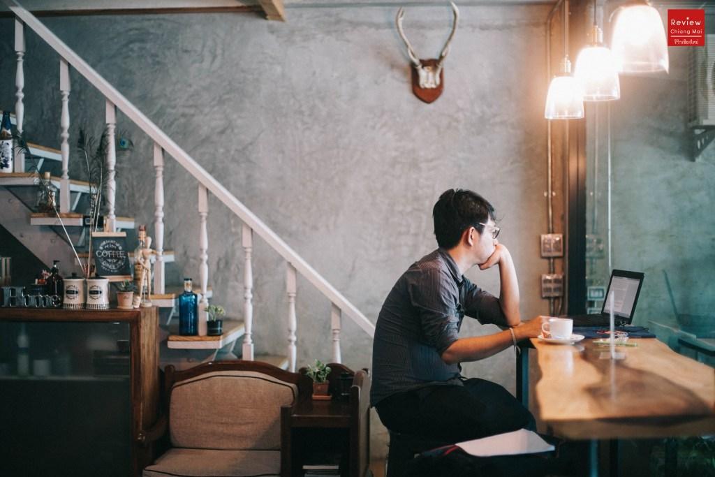 Light up cafe