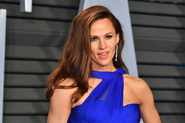 Jennifer Garner Shares Her Workout