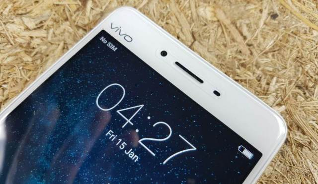 Vivo V3Max has a 5.5-inch touchscreen display