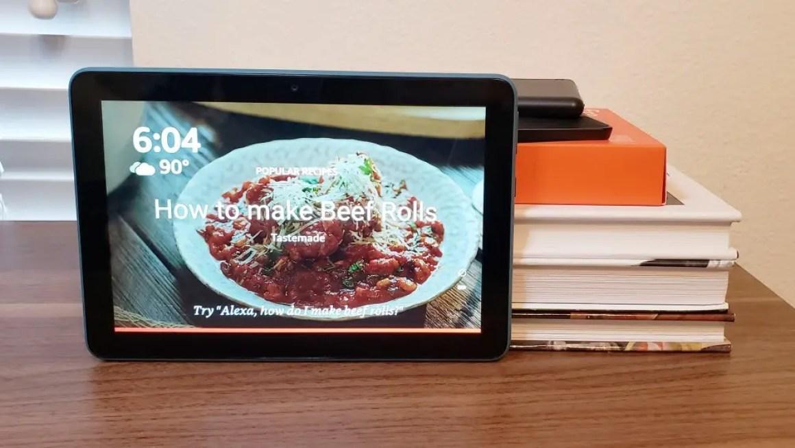 Fire HD 8 в режиме эхо-шоу.