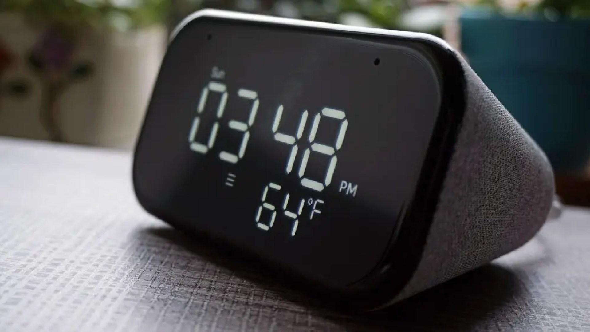 Lenovo Smart Clock Essential screen
