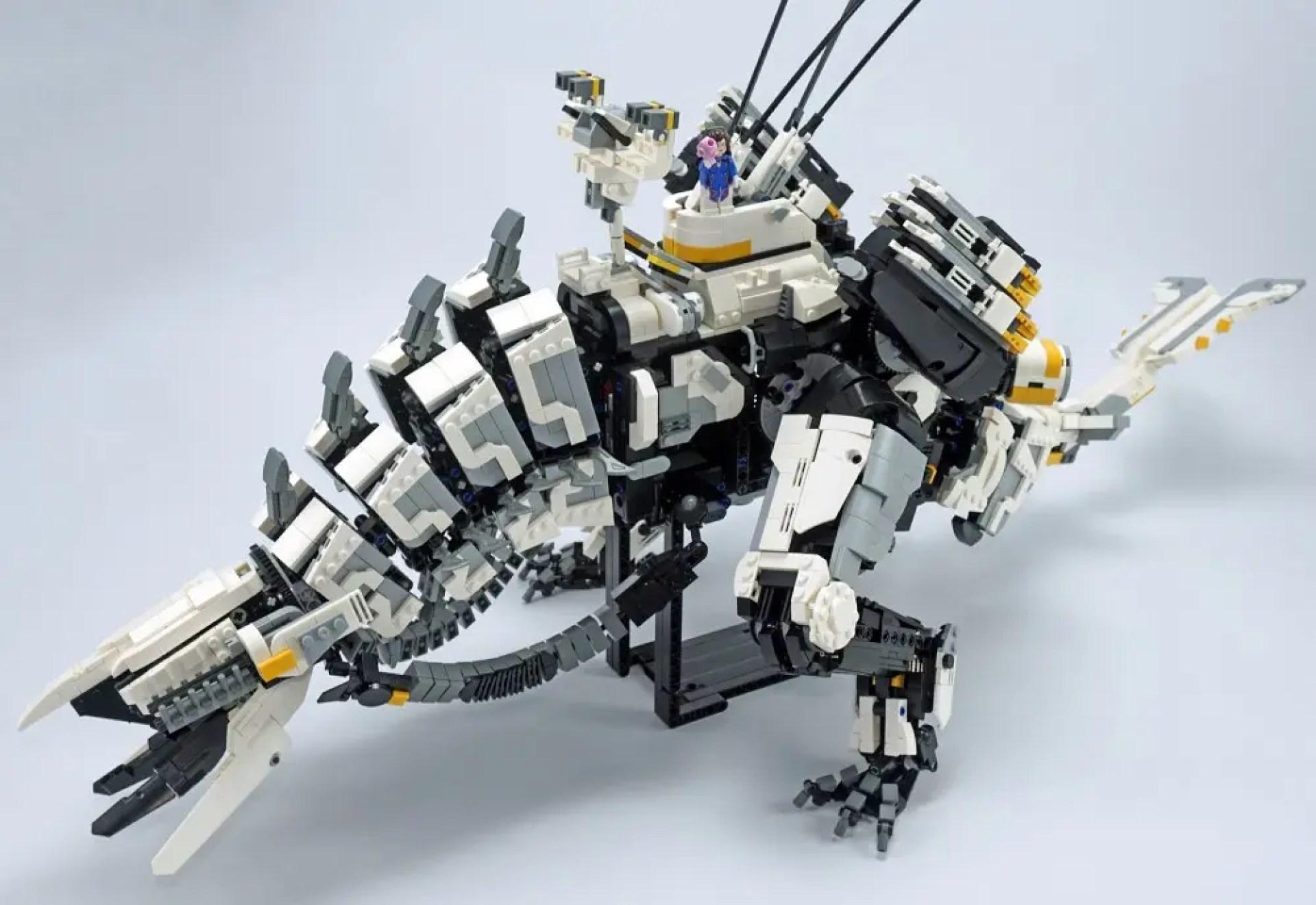 LEGO Thunderjaw completed