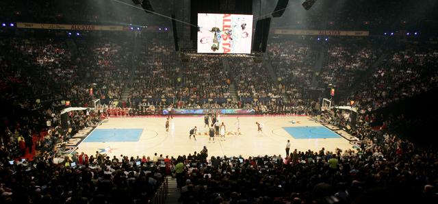 Risultati immagini per Thomas and Mack Center all star game