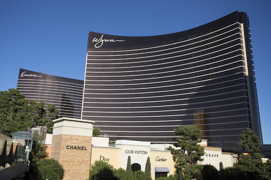the encore and wynn hotel casinos are shown on the las vegas strip