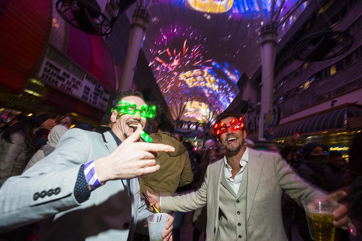 Las Vegas Mayor Goodman Leads New Year S Eve Countdown