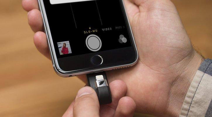 Leef iBridge 128GB Mobile Memory iOS USB Flash Drive with Lightning Connector for Apple (Black)