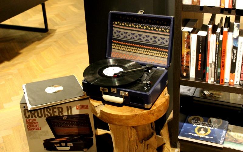 Boekhandel Van der Velde Groningen A-Kerkhof - platenspeler