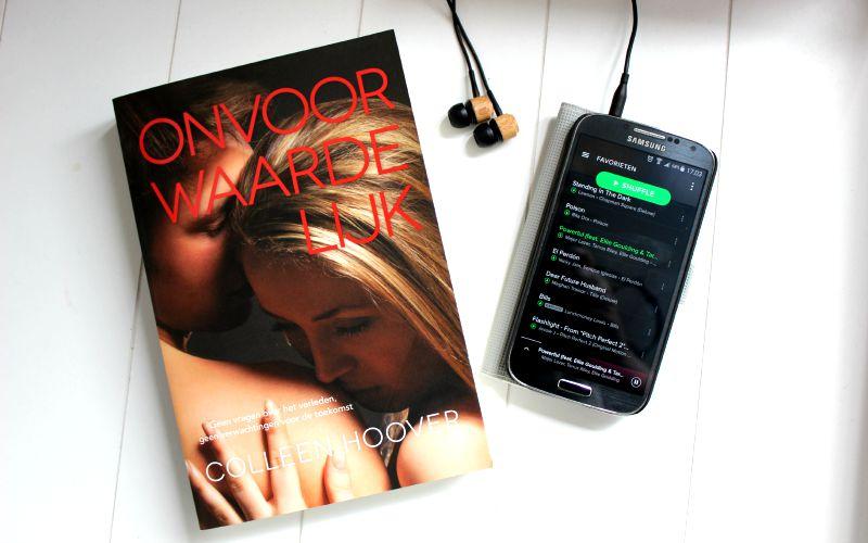Muziek luisteren tijdens het lezen van Onvoorwaardelijk Colleen Hoover