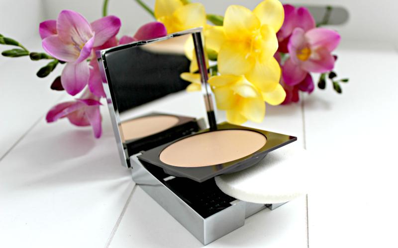 StyleTone Box April 2016 - 29 Cosmetics - Vintage Cream Powder Foundation SPF15