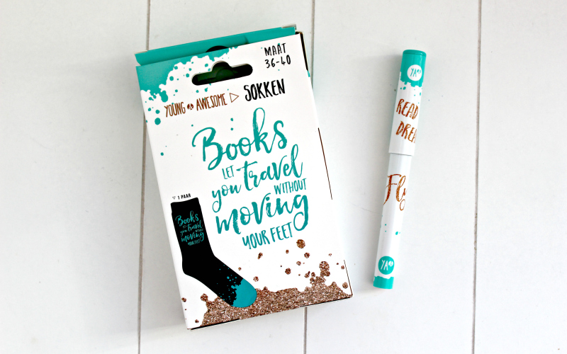 Celebrate Books All the Feels - Young and Awesome sokken en pen