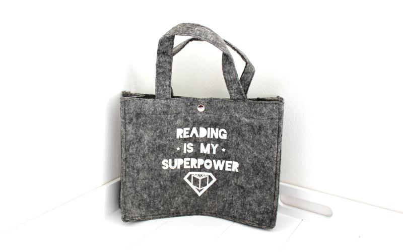 Reading is my superpower mini vilten boekentasje