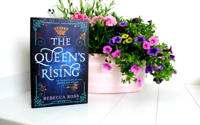 Boekrecensie | The Queen's Rising / De terugkeer van de konigin – Rebecca Ross