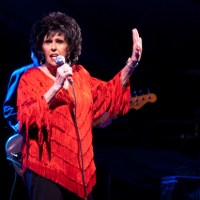 Photos: Wanda Jackson at the MN Zoo Amphitheater (8/7/11)