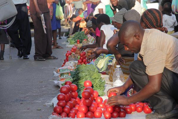 Roadside Vendors are quite popular along Harare's roads