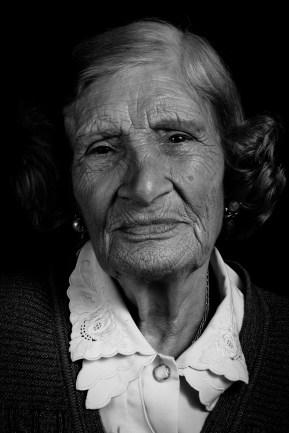 Nelly Celia de Tauro. Su hija mayor, María Graciela Tauro, fue desaparecida el 15 de mayo de 1977, estando embarazada de 4 meses y medio. El caso de apropiación fue judicializado hasta llegar a la Corte Suprema de Justicia de la Nación. En septiembre de 2010, Nelly pudo conocer a su nieto. Ezequiel Rochistein Tauro fue el nieto recuperado Nº102.