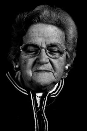Susana Bedrossian de Abachian. Su hijo, Juan Carlos Abachian, fue secuestrado y desaparecido el 7 de diciembre de 1976 en La Plata. Susana y su familia siguen reclamando justicia.