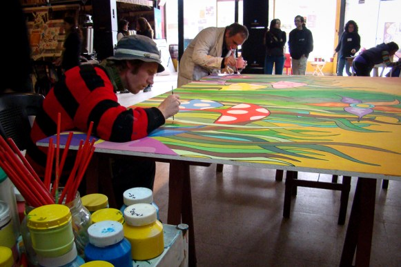 Realización del mural que el América Libre donó para la sala de espera del Hospital Materno Infantil.