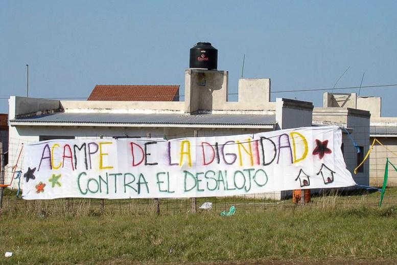 Acampe por la dignidad contra el posible desalojo en el Barrio Pueyrredon en abril de 2009.