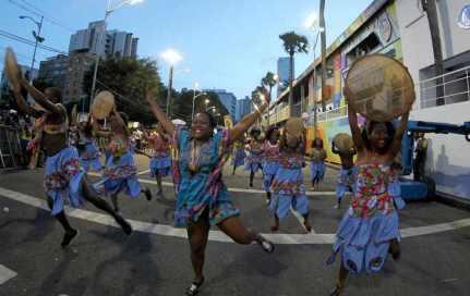 Desfile de blocos no Circuito Osmar (Campo Grande). Crédito: Paula Fróes, GOVBA