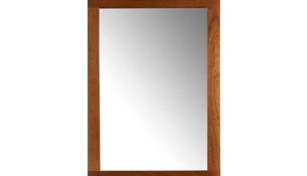 Espelho, espelho meu: existe alguém tão sem rosto quanto eu?