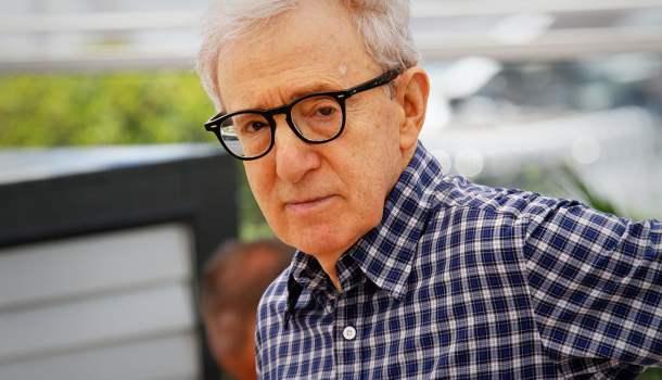 Woody Allen através de um espelho sombrio
