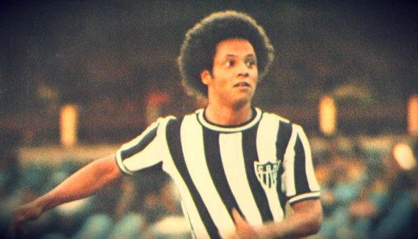 A história do gênio da grande área que quase pôs fim ao reinado de Pelé