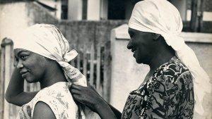 A história da escritora negra e favelada que foi traduzida em 13 países