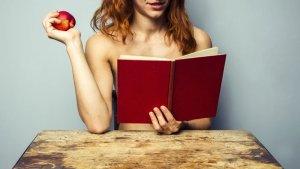 15 livros para ler com uma mão só