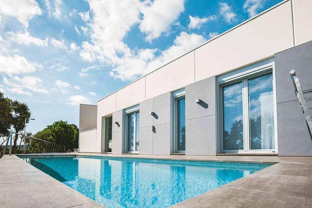 tipos-de-piscinas-rectangular-agua-salada