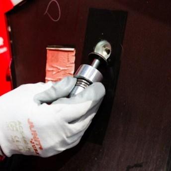Proceso de perforado y colocación del tornillo.